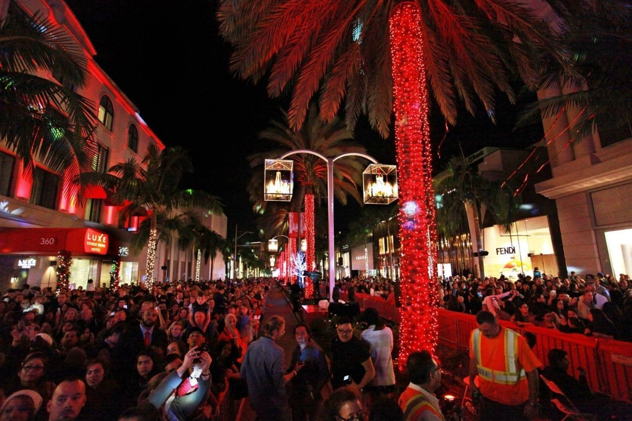 Photo for: Most Vibrant Drive-Thru Christmas Events to Attend in Los Angeles