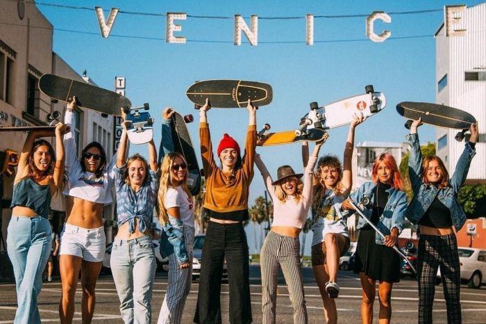 Photo for: Neighborhood Focus: Drinking in Venice, LA